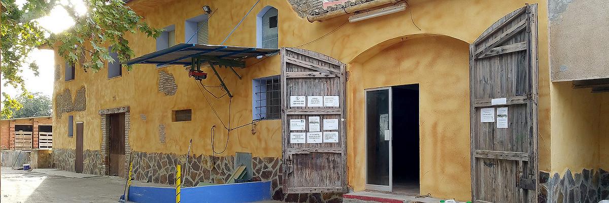 Mas Montseny, imatge de la façana